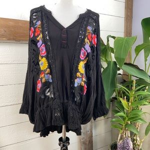 Free People NWT Serafina Embroidered Top Blk Combo